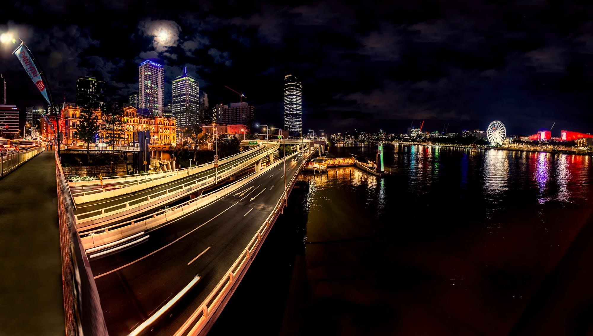 Time-lapse Photography of Moving Vehicles on Bridge