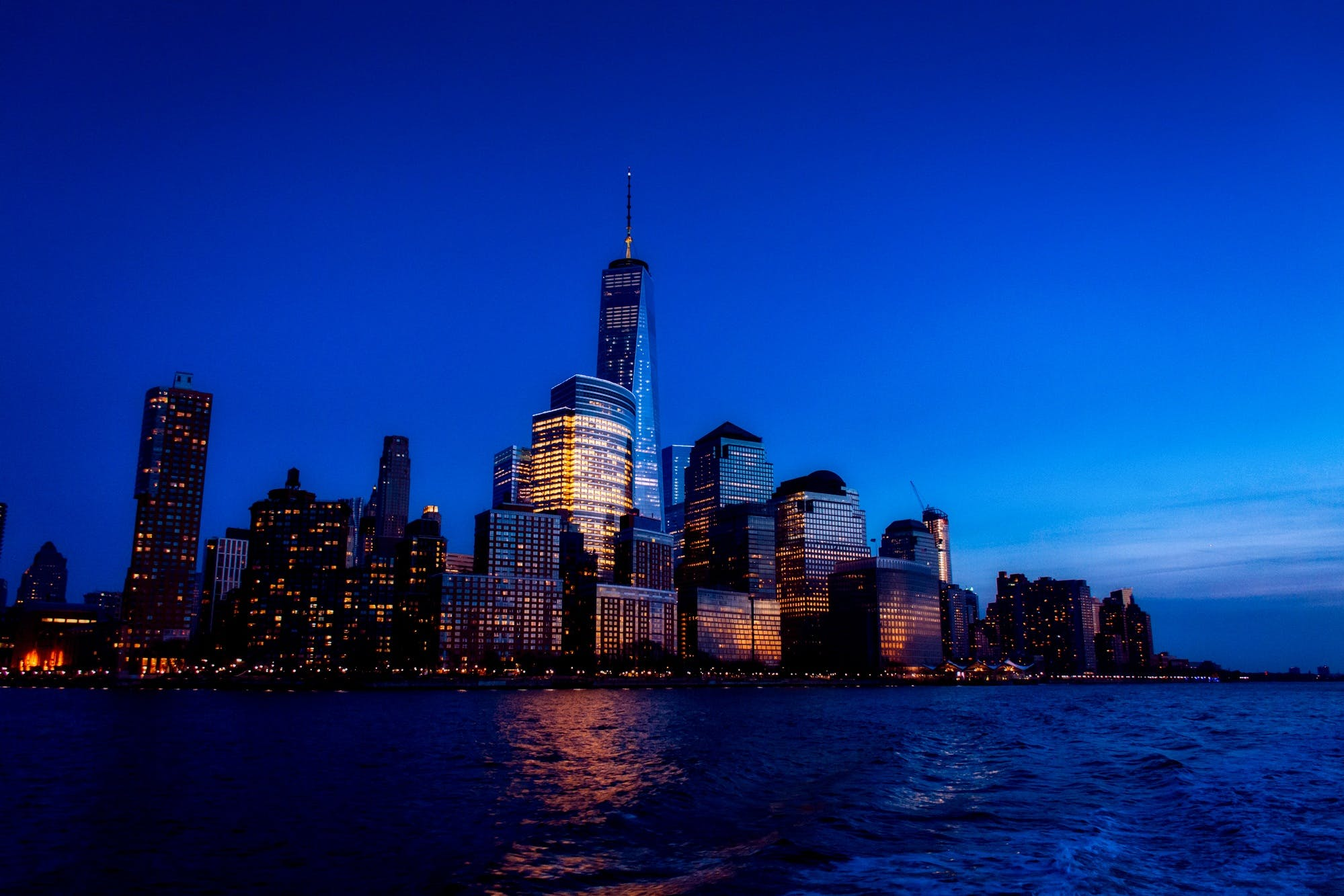 Foto profissional grátis de água, arquitetura, arranha-céus, atraente