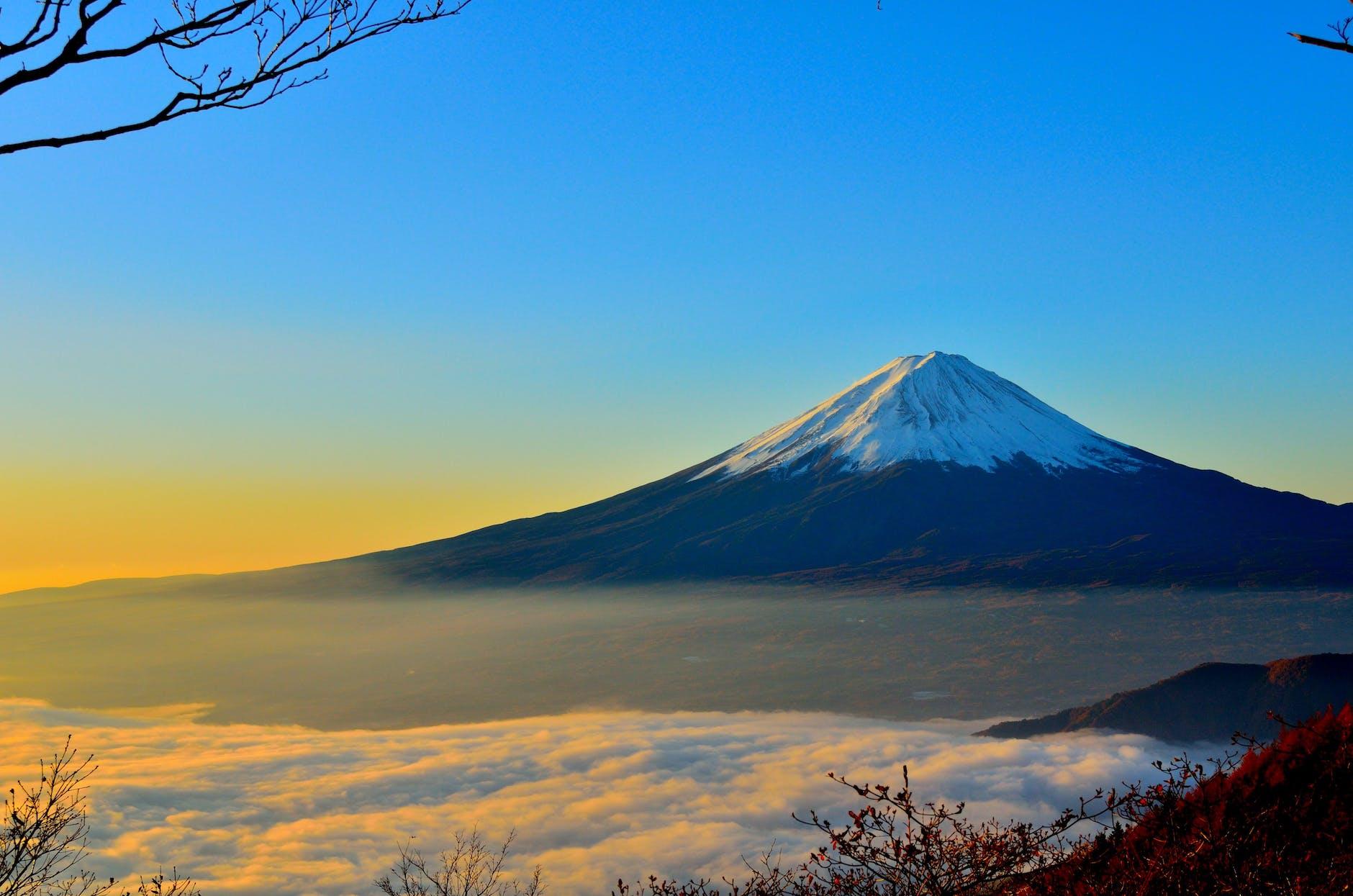 Enjoy a view of Mount Fuji from the Shinkansen