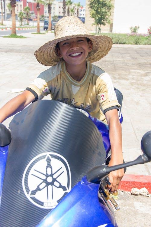 Gratis stockfoto met 1000cc, blauw, buiten, cap