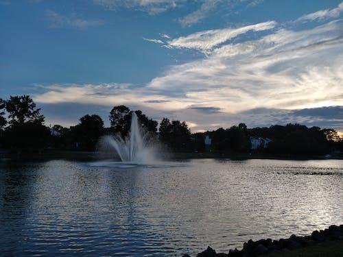Бесплатное стоковое фото с вода, мирный, облака, парк