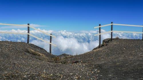Foto d'estoc gratuïta de alt, cel, ennuvolat, molt