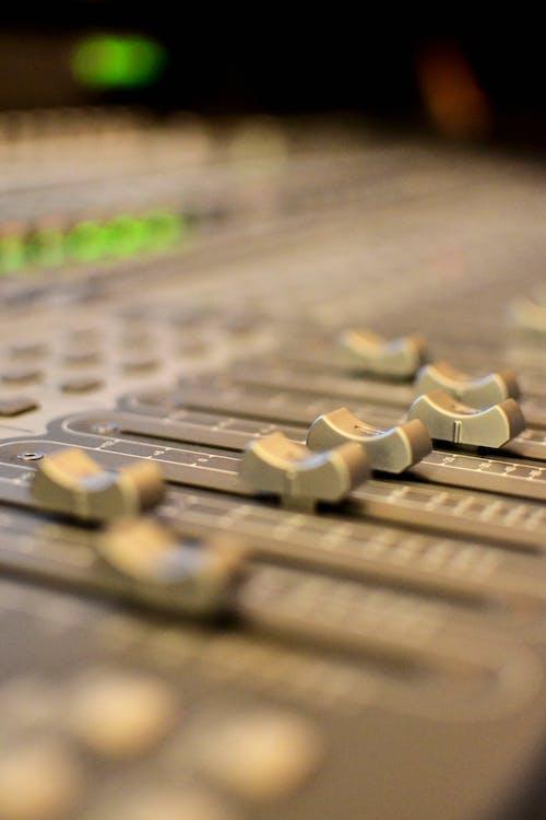 Безкоштовне стокове фото на тему «аналоговий, аудіо, аудіомікшер»