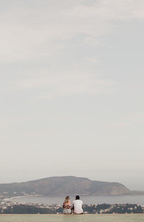açık hava, anonim, arkadan görünüm, Aşk içeren Ücretsiz stok fotoğraf