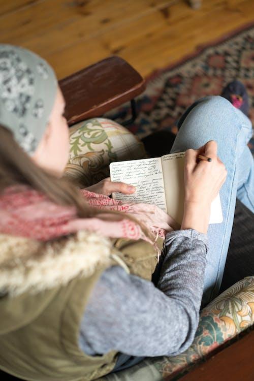 Darmowe zdjęcie z galerii z napisany odręcznie, notatka, notatnik