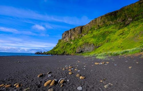 Photos gratuites de bleu, bord de mer, cailloux, ciel