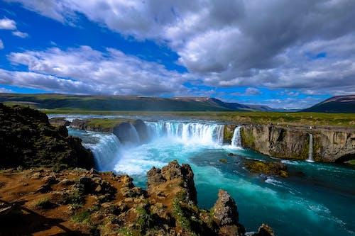 Immagine gratuita di acqua, calma, calmo, cascata