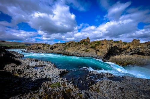 açık hava, dağ, dalgalar, dış mekan içeren Ücretsiz stok fotoğraf