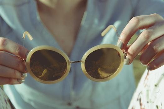 White Frame Round Sunglasses
