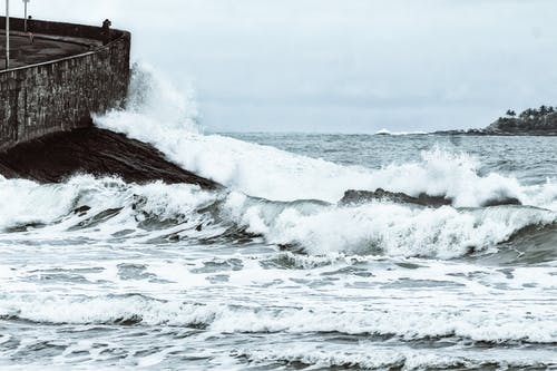 Foto d'estoc gratuïta de costo rochoso, onda quebrando, ressaca, tempestade