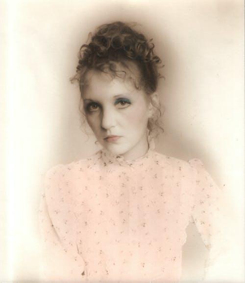 Foto profissional grátis de retrato de mulher