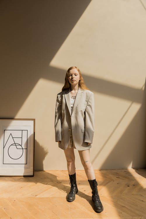 Darmowe zdjęcie z galerii z cień, dorosły, dziewczyna
