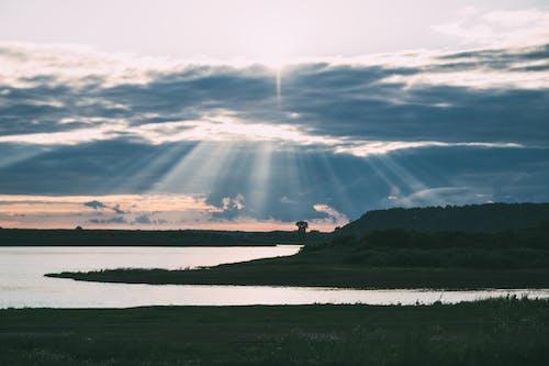 Δωρεάν στοκ φωτογραφιών με γη, δύση του ηλίου, ήλιος, νερό