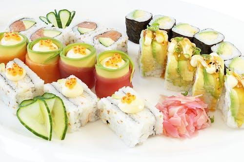 Foto profissional grátis de alface, alimento, almoço, branco