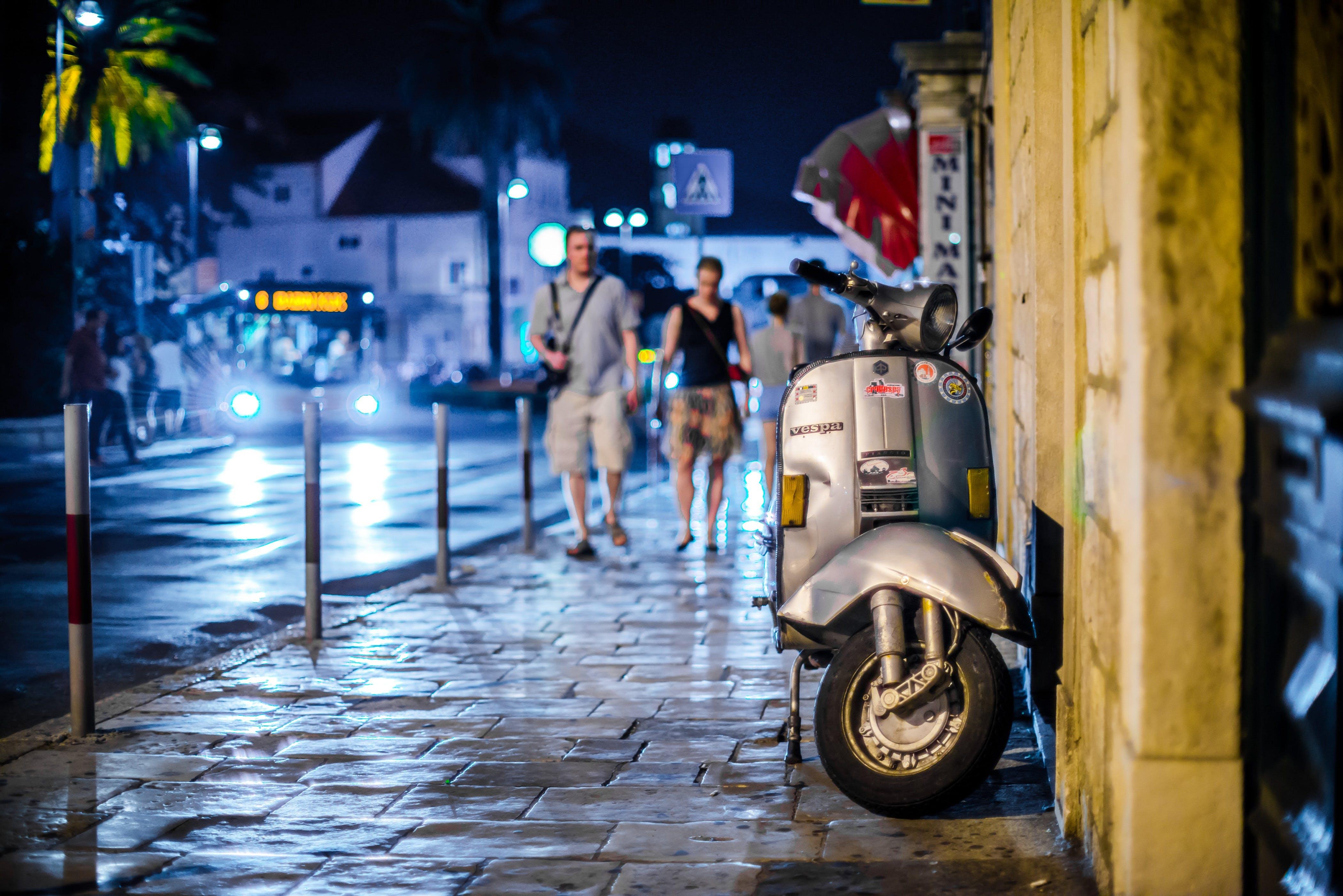 Foto d'estoc gratuïta de Camí, carrer, ciutat, gent