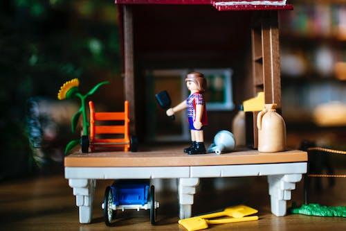 Gratis stockfoto met klein speelgoed, meisje, mevrouw, miniatuur speelgoed
