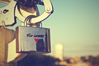 german, love padlock