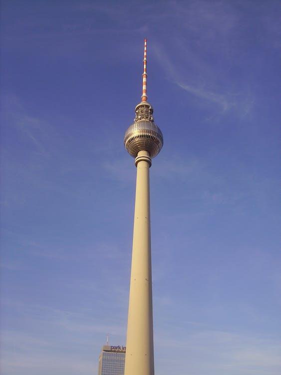 Alexanderplatz, Berlín, budova