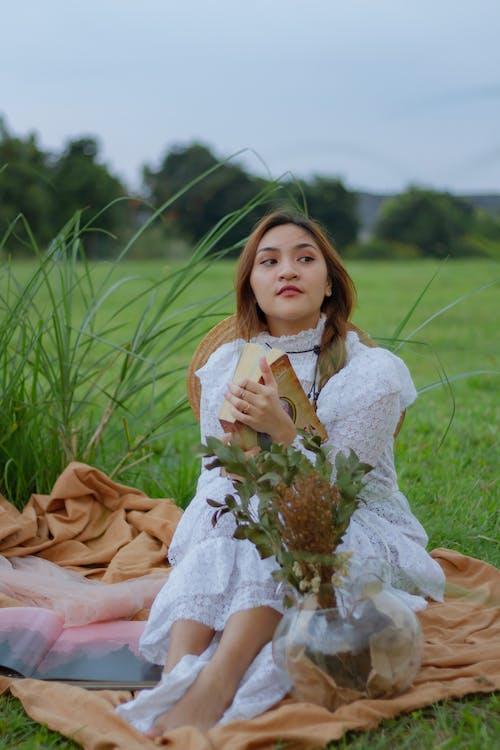 Photos gratuites de à la mode, attirant, beauté, bokeh