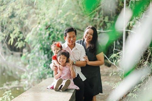 Gratis stockfoto met Aziatisch stel, Aziatische meisjes, blijdschap