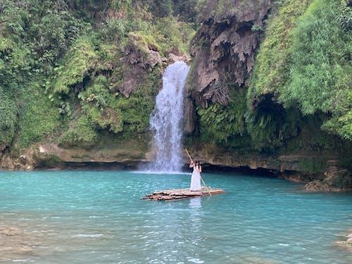 Fotos de stock gratuitas de agua, bahía, barca, cascada
