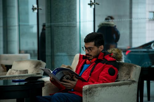คลังภาพถ่ายฟรี ของ ผู้ชาย, อ่าน, โรงแรม