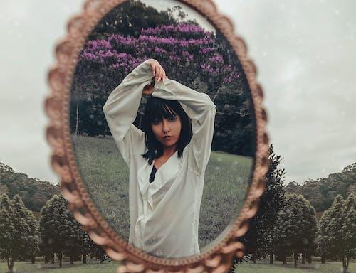 Foto d'estoc gratuïta de a l'aire lliure, atractiu, bellesa, bonic