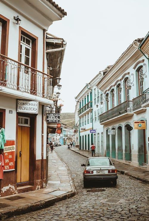 Foto stok gratis arsitektur bersejarah, balkon, bangunan tua