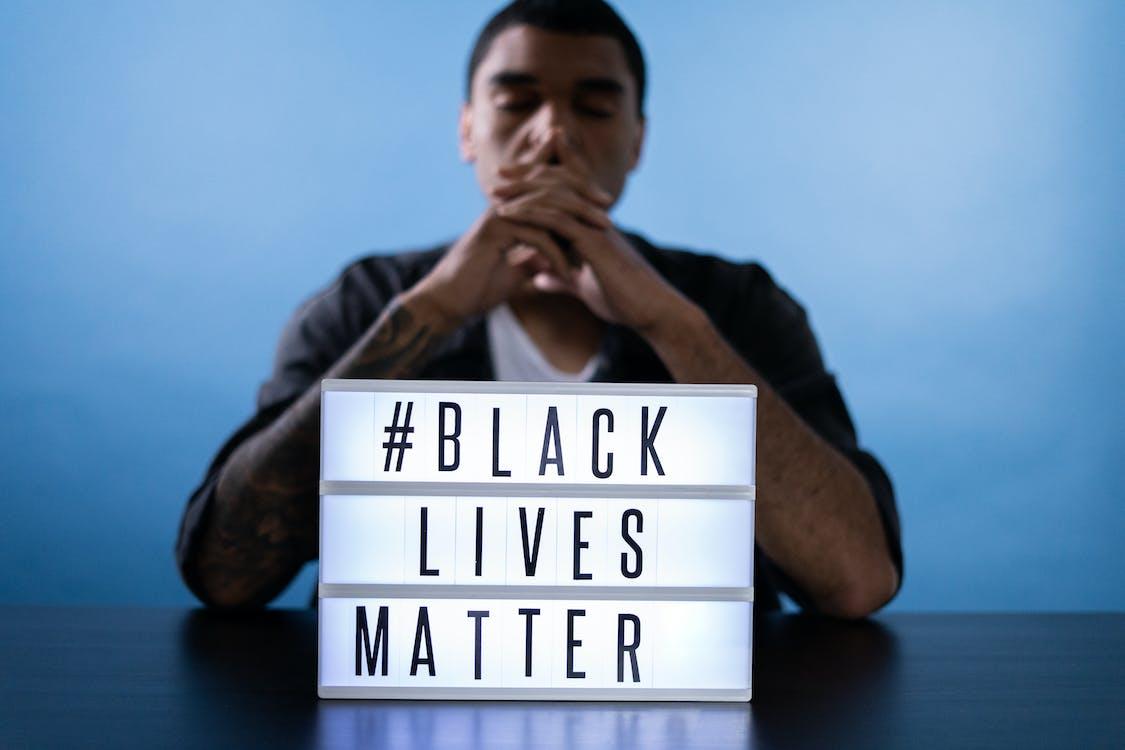 Kostenloses Stock Foto zu afroamerikaner, afroamerikanischer mann, blm
