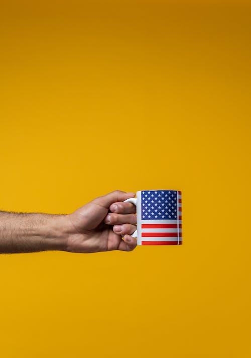 Gratis lagerfoto af 4. juli, Amerikansk flag, arm, drink