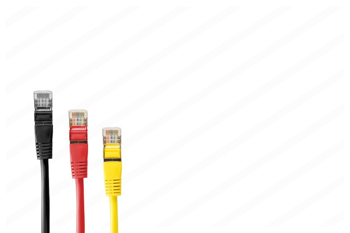 câbles, câbles de raccordement, câbles de réseau