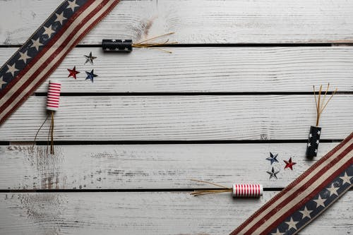 Symbols of United States on wooden table