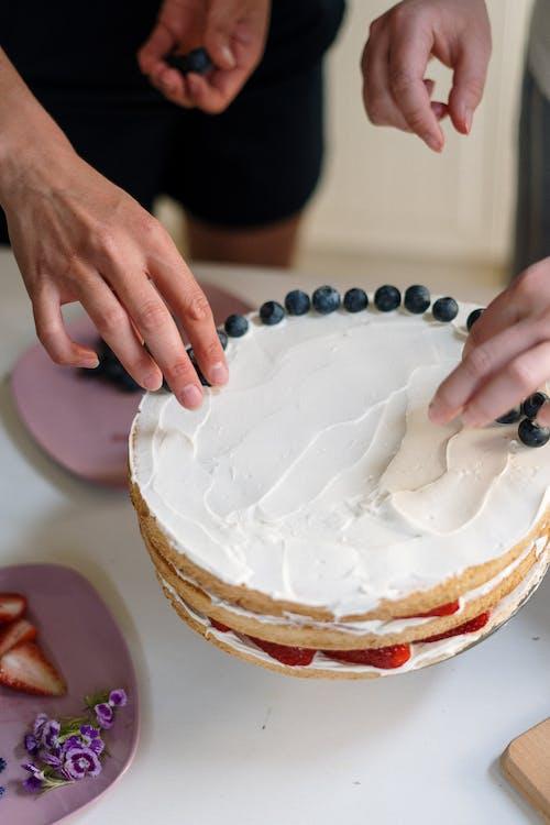 Ảnh lưu trữ miễn phí về bánh ngọt, bánh sinh nhật, chế tạo, chín