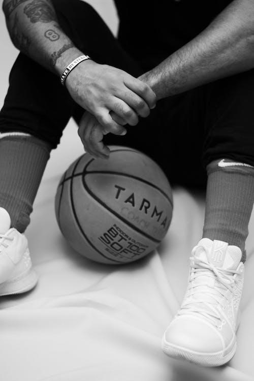 Ảnh lưu trữ miễn phí về bóng rổ, chân, da, đàn bà