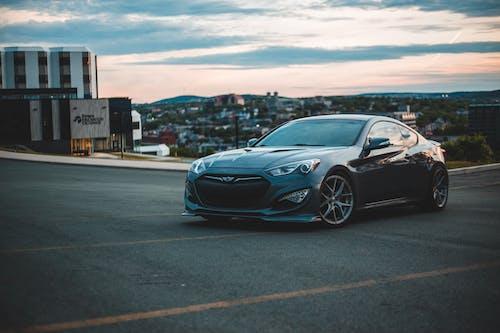 Foto d'estoc gratuïta de aparcament, aparcant, aparcat, asfalt