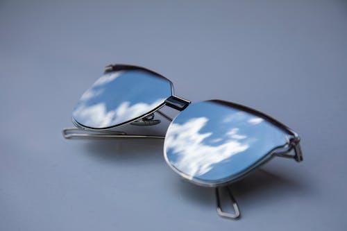 Silver Framed Aviator Style Sunglasses