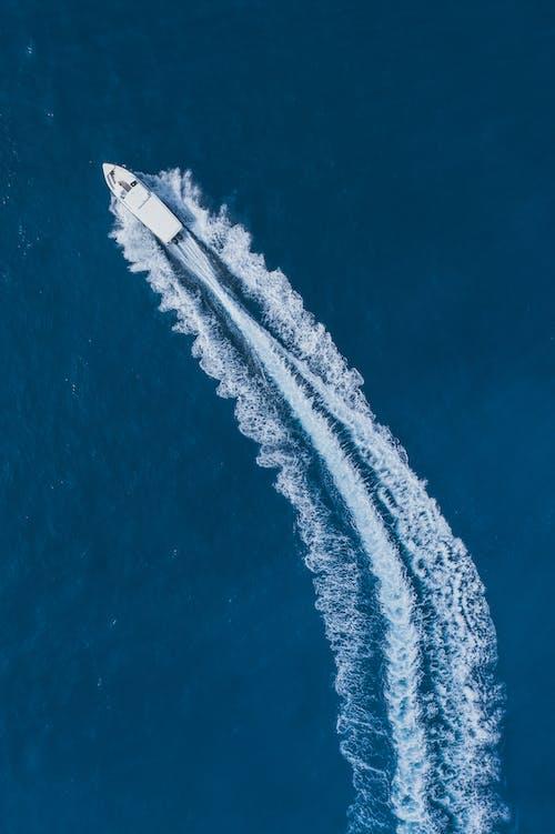 スピードボート, ドローン写真, ドローン撮影, ハイアングルショットの無料の写真素材