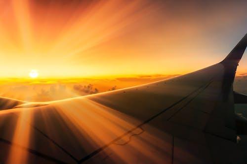Foto d'estoc gratuïta de aire, ala, ala de l'avió, avió