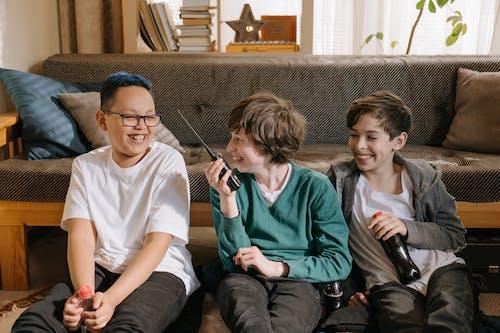 Ingyenes stockfotó a walkie-talkie, aktivitás, barátok, boldog témában