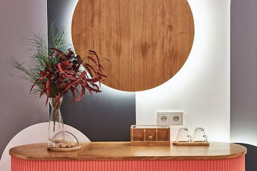 Darmowe zdjęcie z galerii z architektura, biuro, brązowy, ciastko