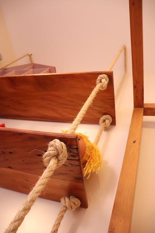 Free stock photo of com cordas, corda, Madeira, prateleira