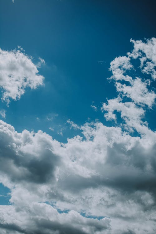 Foto stok gratis angin, angkasa, awan, berbulu halus