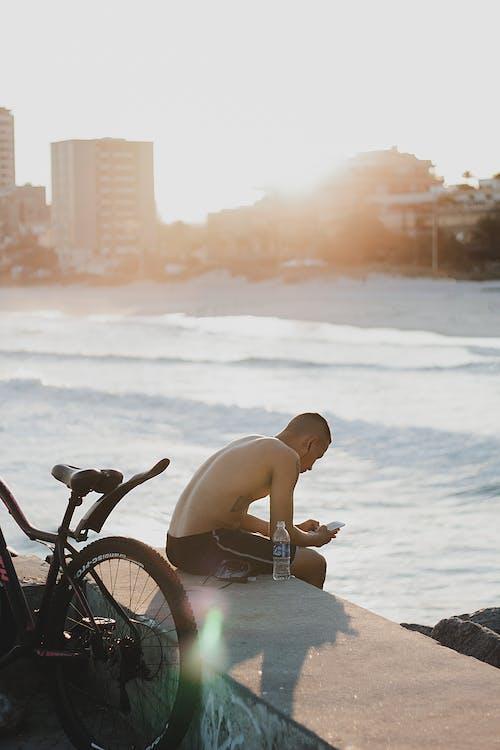 açık hava, adam, aksiyon, boş zaman içeren Ücretsiz stok fotoğraf