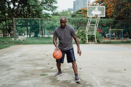 Gratis lagerfoto af atlet, barn, basketball