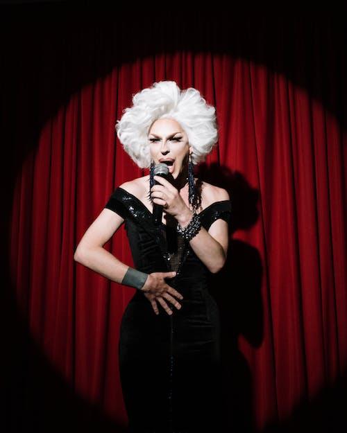 LGBTQ, 一個人, 交叉梳妝台, 人物 的 免費圖庫相片