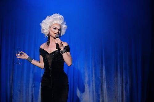 Immagine gratuita di artista, cantando, cantante, capelli bianchi