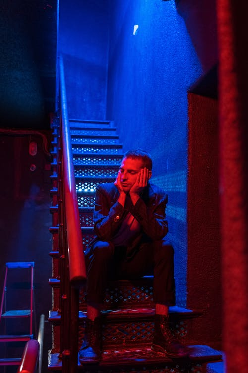Darmowe zdjęcie z galerii z ciemny, klatka schodowa, klub gejowski