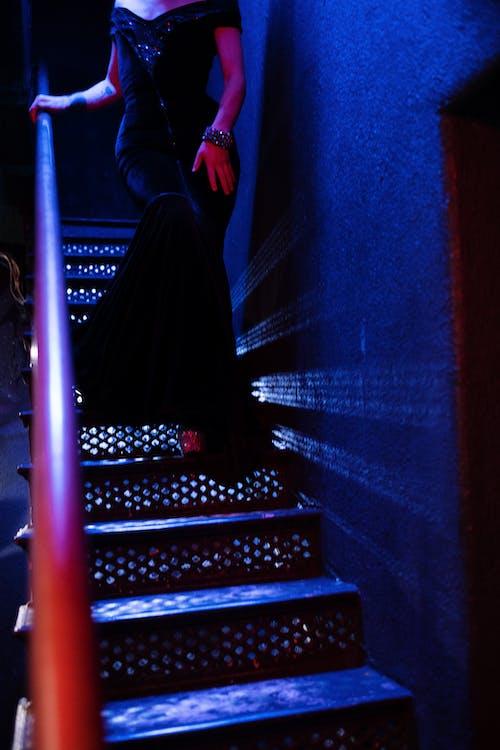 Darmowe zdjęcie z galerii z anonimowy, bez twarzy, ciemny