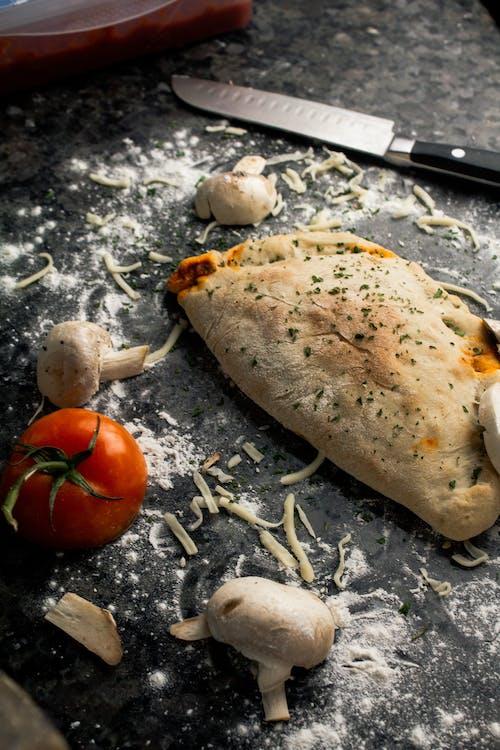 Foto stok gratis bumbu, jamur, keju, piza