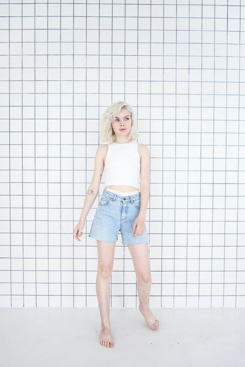Fotos de stock gratuitas de adolescente, apariencia, cabello corto, cuerpo completo